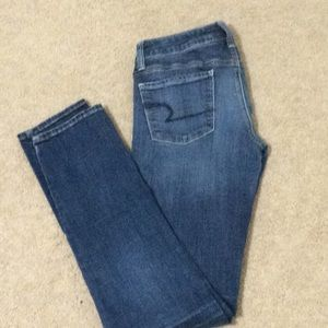 🦅American Eagle super stretch skinny jeans 6 Long